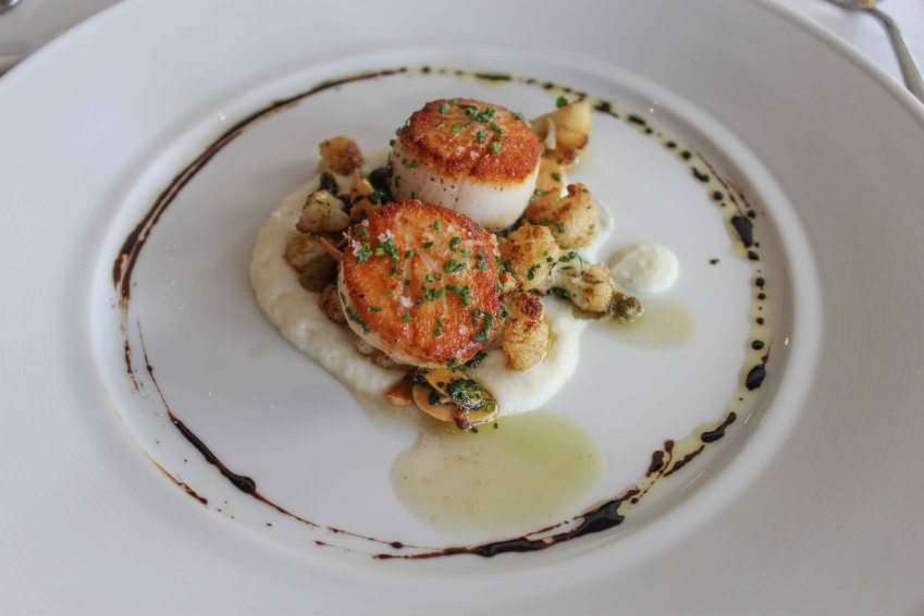 Caramelized diver sea scallops with cauliflower puree, Redd, Yountville, California