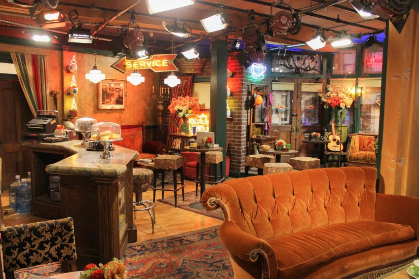 Set of Central Perk from Friends, Warner Brothers Studio Tour, Los Angeles, California
